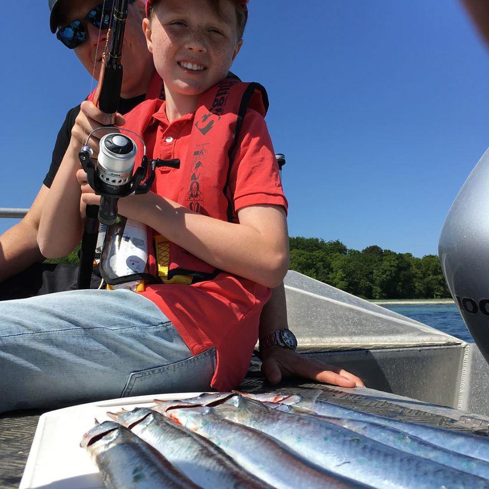 Fangst på en fisketur med familien