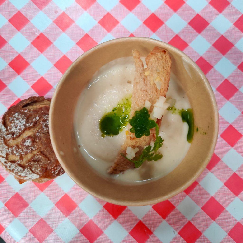 Suppe med brød