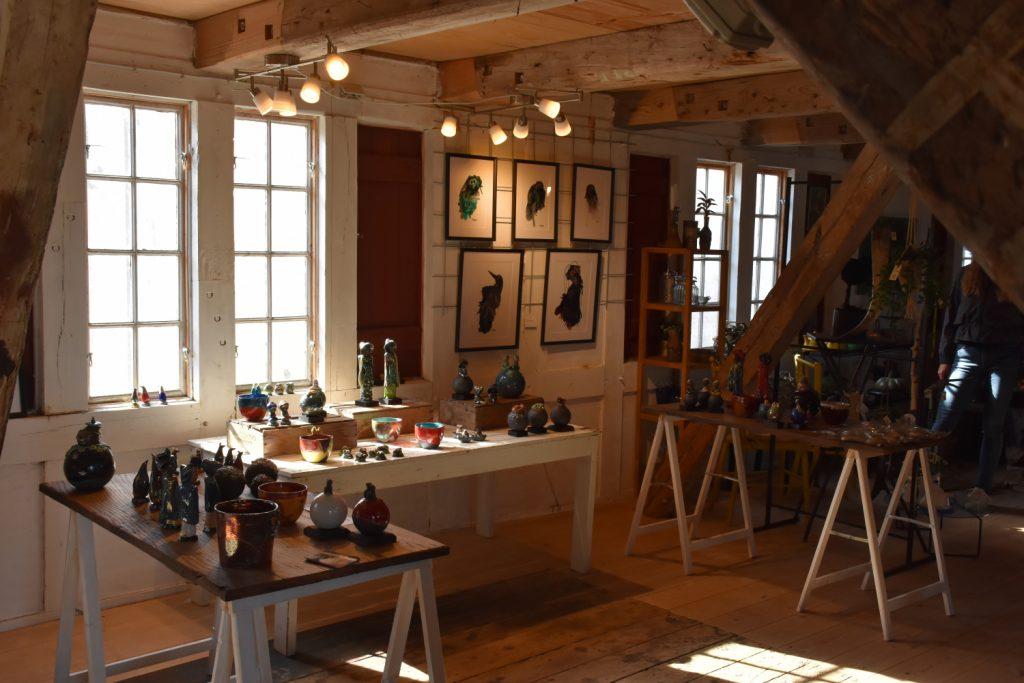 Kunsthåndværk i Pakhusgården i Lundeborg