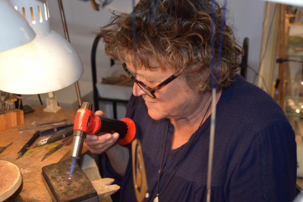 Sabine Majus arbejder