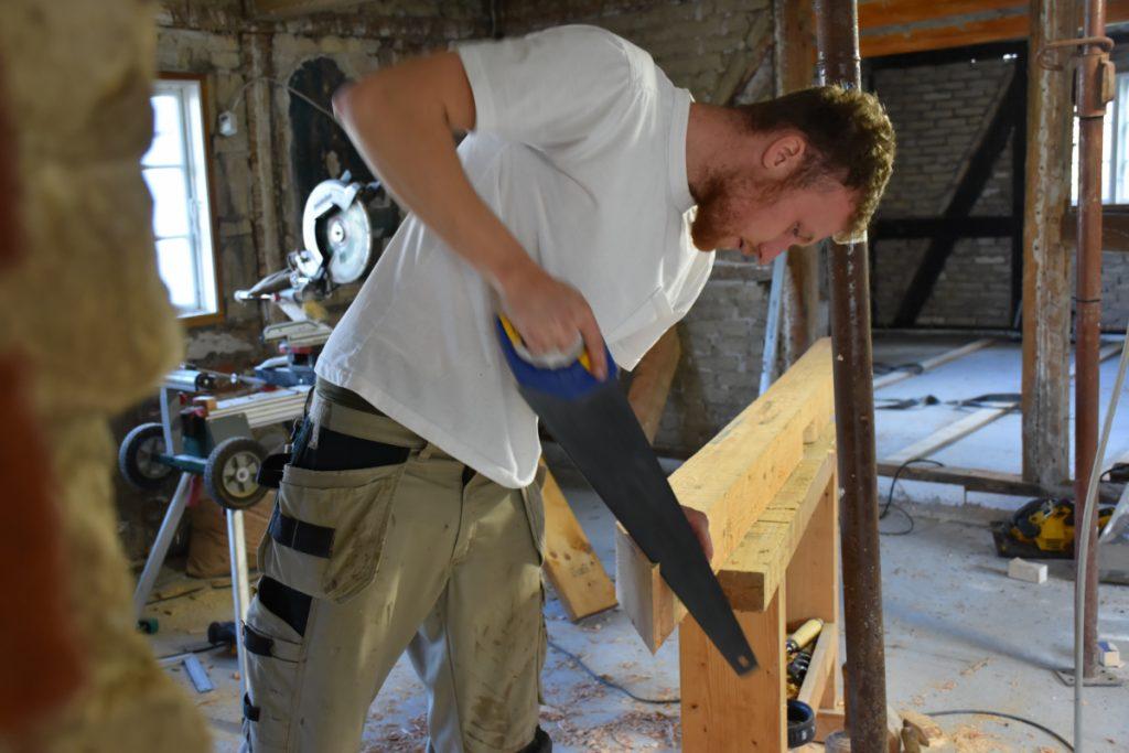 Tømrerhjælp