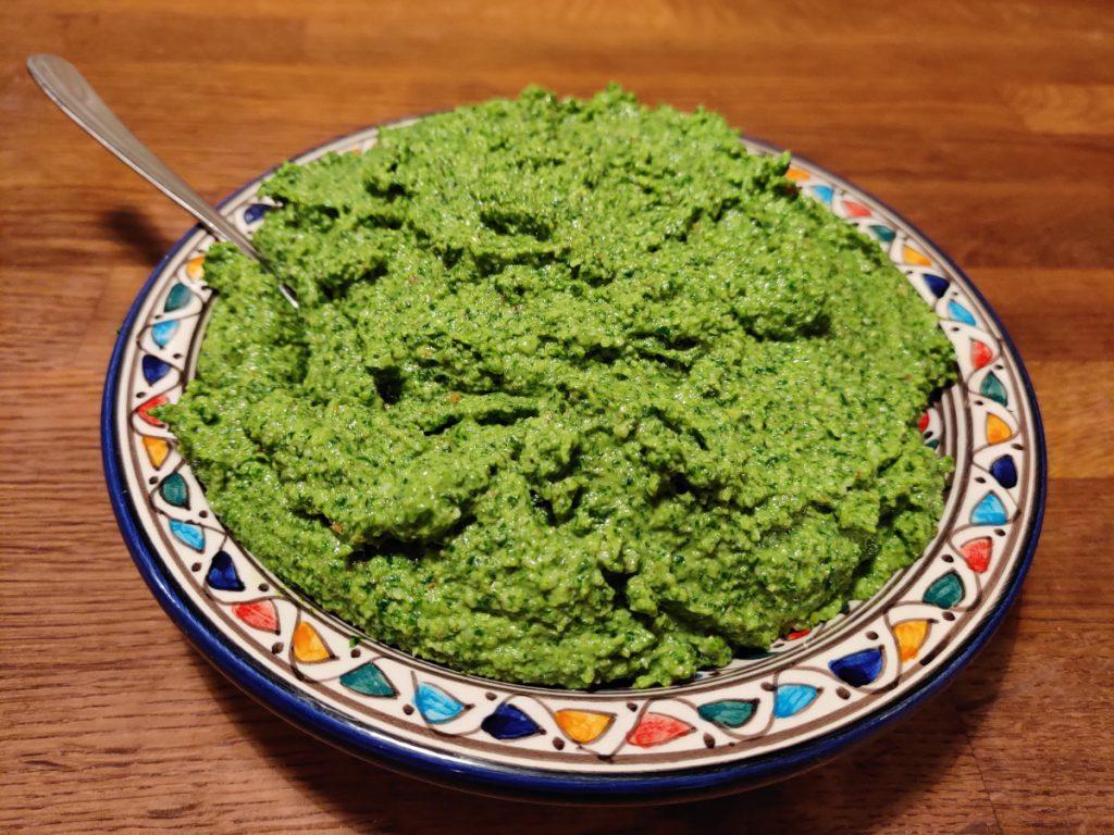 Pesto med Ramsløg og valnødder
